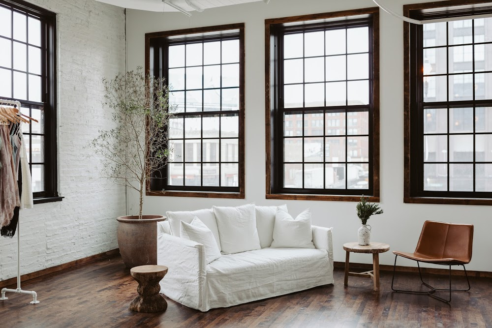 Grace Loves Lace – Chicago Showroom