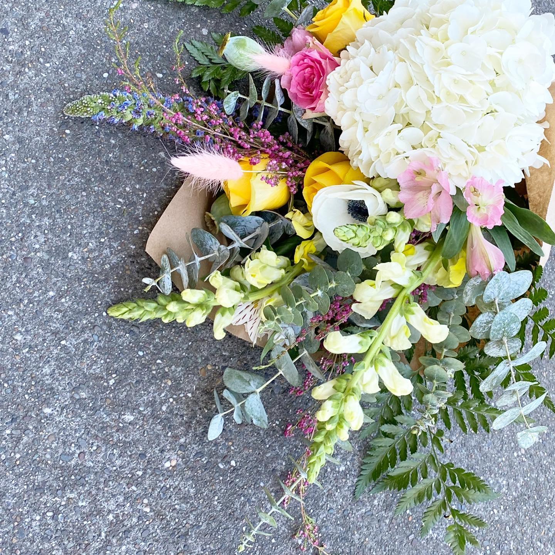Le Bouquet Flower Shop