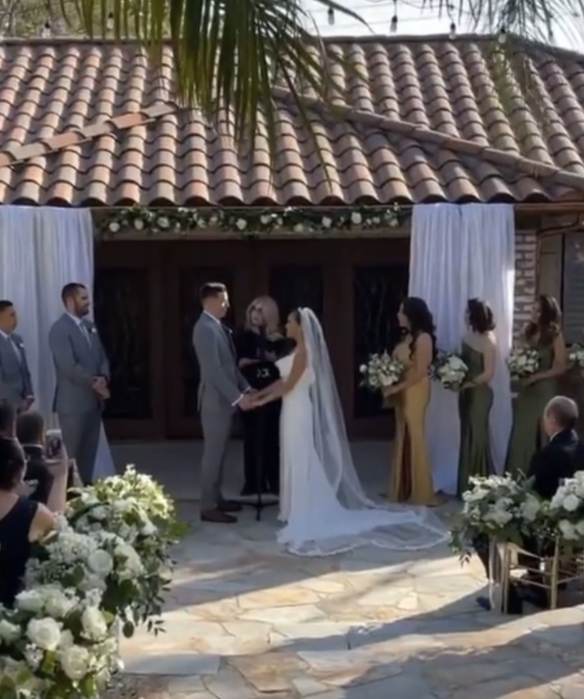 Make It Official~Wedding Officiant