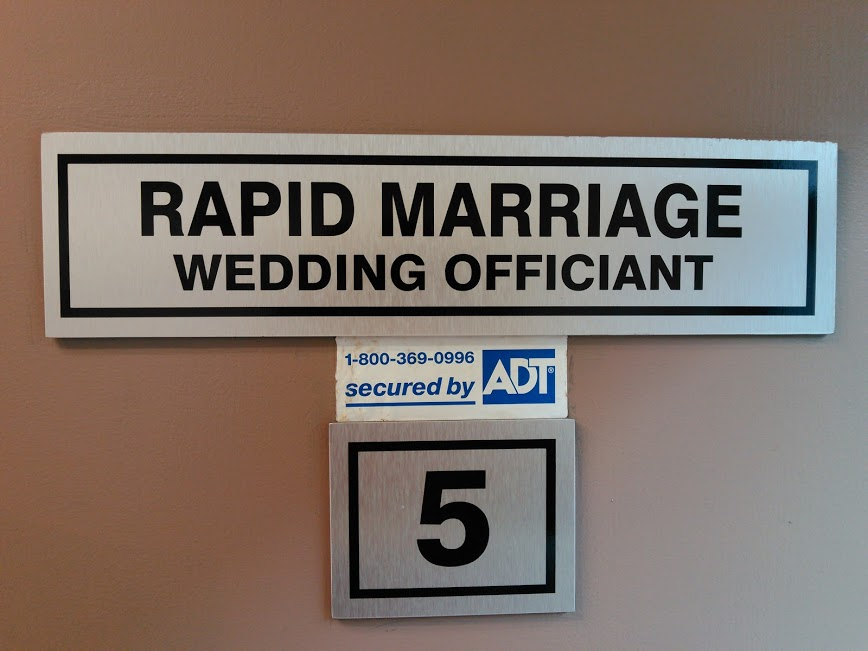 Wedding Chapel – Officiant – Travelling Minister